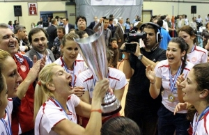 Womens Volley Cup Final : Olympiakos 3-2 Vazeloi
